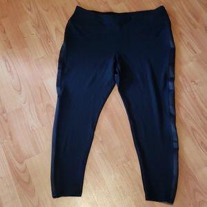 NEW Calvin Klein Performance soft leggings capris